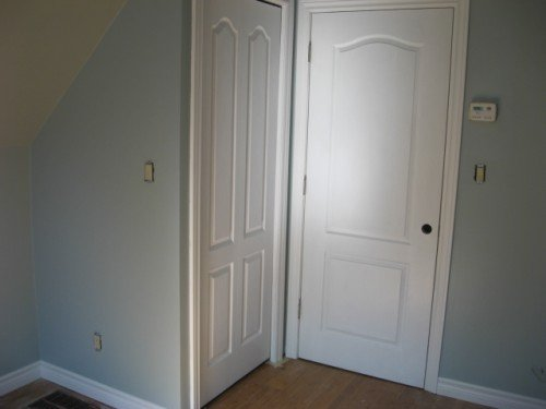 doors in guest room
