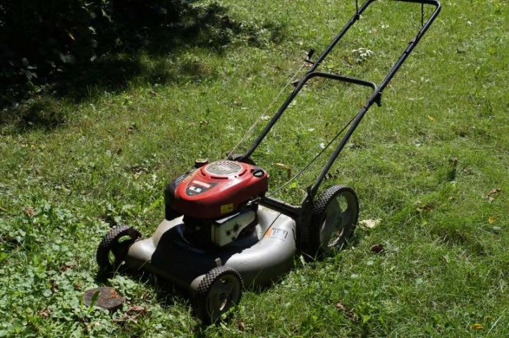 Repair: Lawn mower vs  Tree Stump - Thumb and Hammer