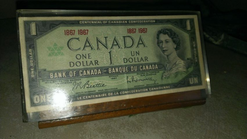 dollar bill display
