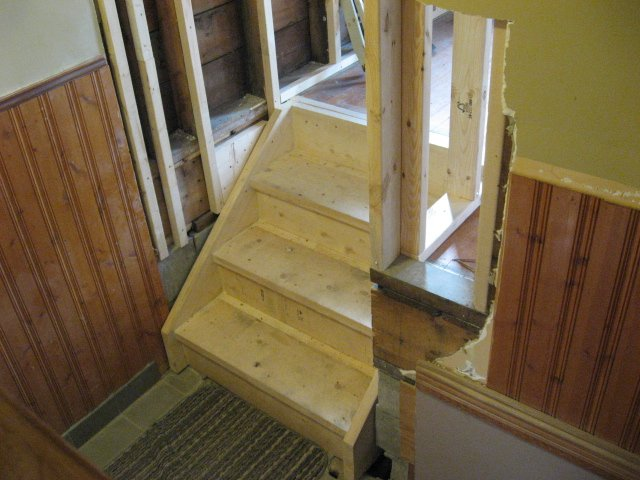 new steps to laundry room